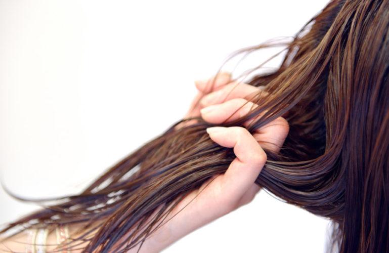 髪の毛の乾燥、パサつきについて